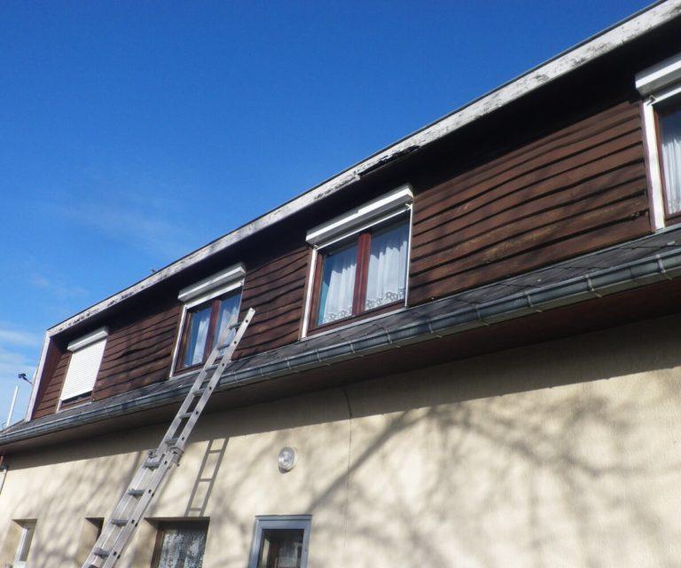 Bardage bois et châssis fenêtres a rénover
