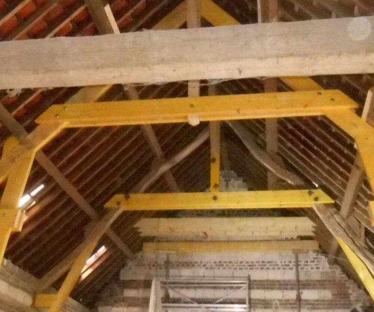 restauration charpente et toiture tuile d'une grange
