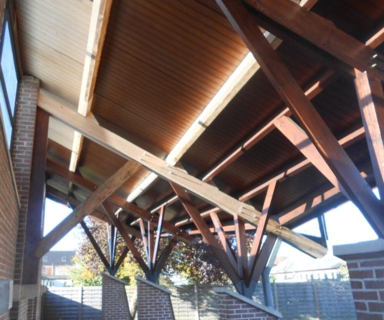 Rénovation charpente et bois du préau, école de Corbehem