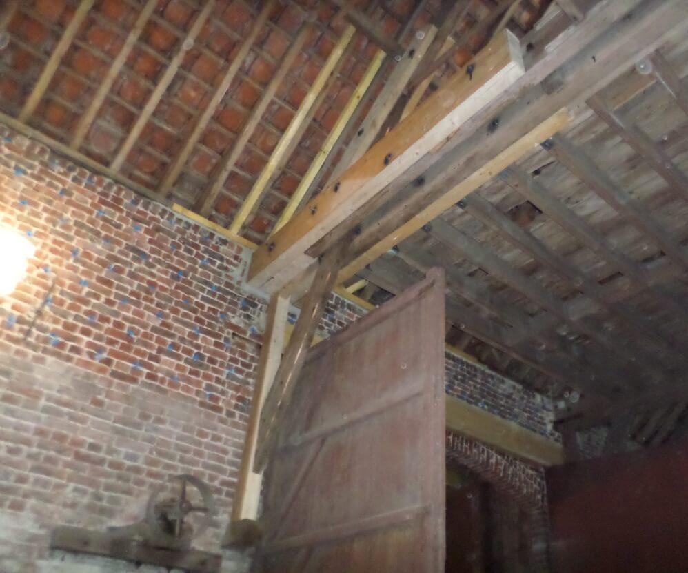 Renforcement des bois et traitements bois et murs