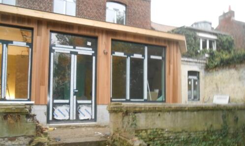 bardage bois pour embellissement d'un bâtiment