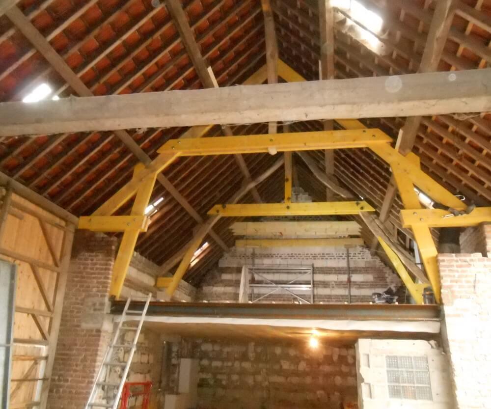 rénovation de la charpente et de la toiture tuile d'une grange